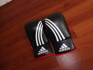 Luva bate saco Adidas original (aceito propostas) 0