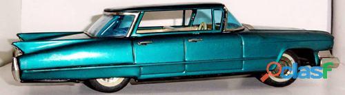 Cadillac Sedan.Bandai.Na caixa original. 4