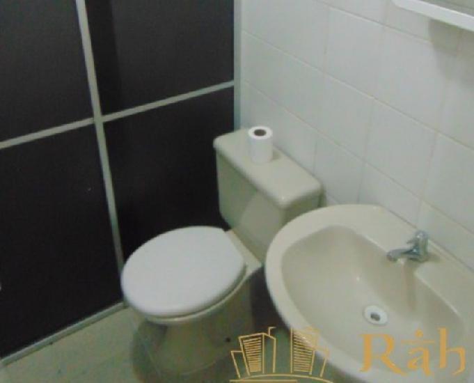 LOCAÇÃO ANUAL: Excelente apartamento mobiliado de 2 0