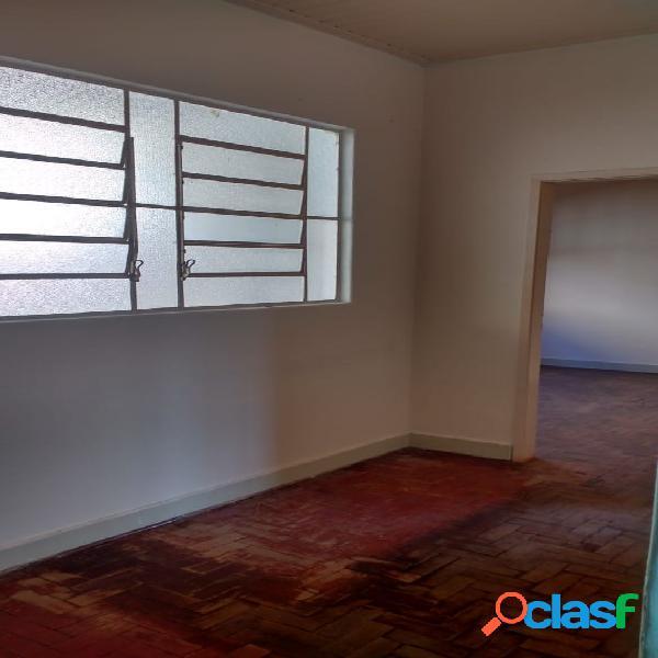 Casa Antiga a Venda em Vila Maria com 02 dormitórios. 2