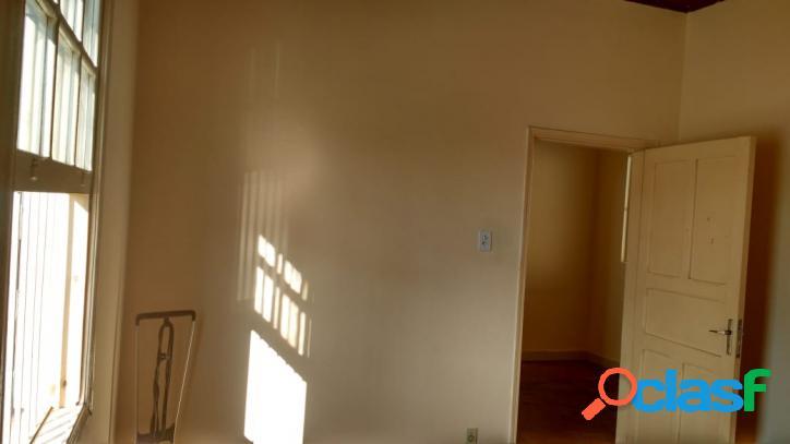 Casa Antiga a Venda em Vila Maria com 02 dormitórios. 3