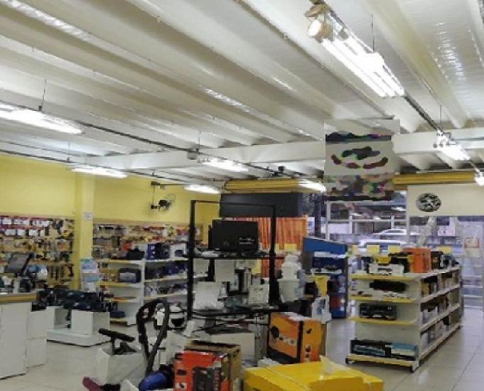 Loja comercial em avenida de Moema 0