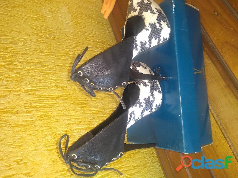 Sapato em couro salto alto 12 1
