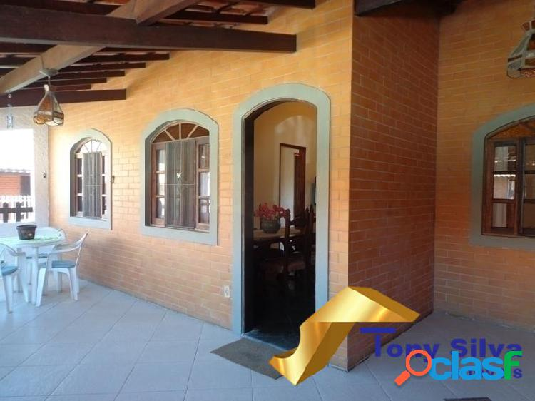 Casa linear em condomínio com 03 quartos nas Palmeiras Cabo Frio 1
