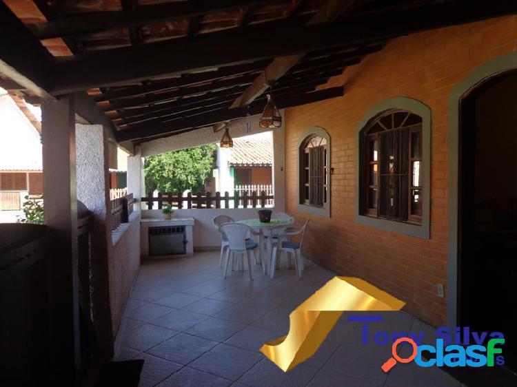 Casa linear em condomínio com 03 quartos nas Palmeiras Cabo Frio 2