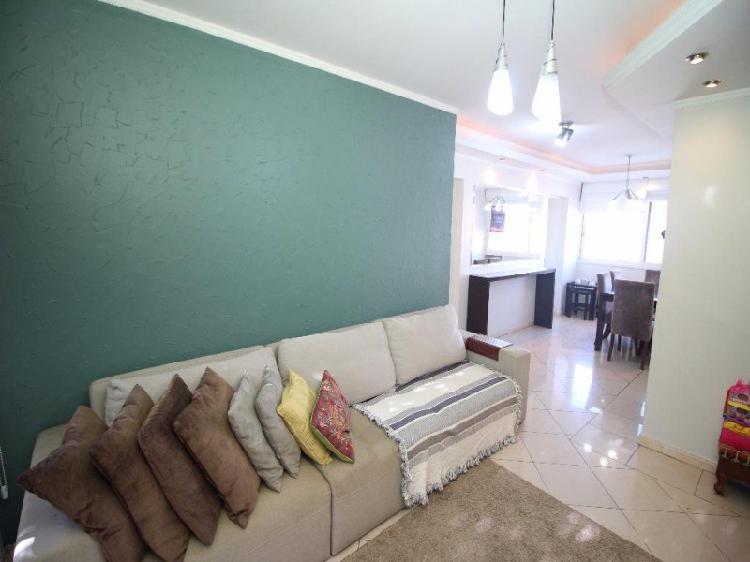 Elegance Imóveis: Apartamento de frente reformado com 100 0