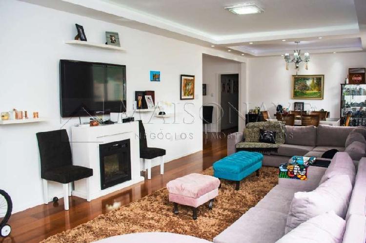 Apartamento 4 dormitórios (1ste master), 218m2 priv, 2 VG, 0