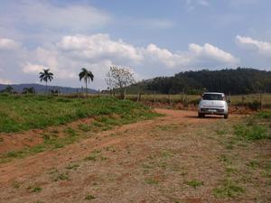 Terrenos em atibaia 1100 m² c / vista p / serra
