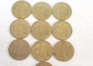 Compro moedas amarelas acima de 10 quilos, pago r$200