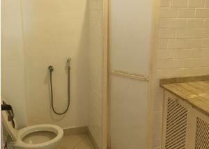 Alugo apartamento de 2 quartos na urca