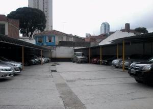 Estacionamento com 1.000m² em frente do hospital no