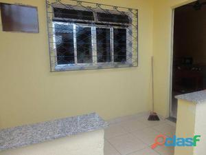 Vendo .uma ótima casa composta quarto banheiro sala cozinha americana copa varanda. área de serviço