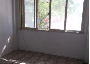 Apartamento no primeiro andar - aluguel no jabour
