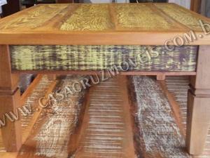 Mesa de centro amarela sem gaveta - madeira de demolição
