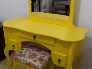 Penteadeira 3 gavetas com banco - amarelo