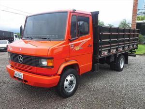 Caminhão mb 710 ano 2001 direção carroceria graneliro