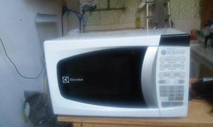 Micro-ondas Eletrolux 20 lts