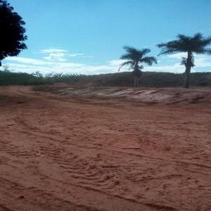 Terreno amplo dividido em 3 platôs prontos para