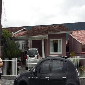 Casa em condomínio fechado no bom retiro