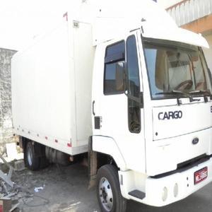 Ford cargo 815s branco bau refrigerado