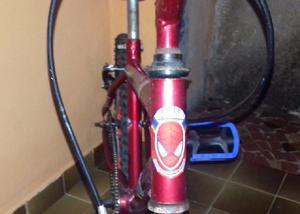 Bicicleta aro- homem aranha com pouco uso em ótimo estado.