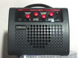 Amplificador yamaha portatil, funcionamento com pilha s e