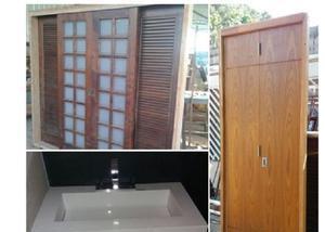 Material usado: portas e janelas em casa verde