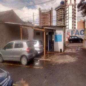 Vende se estacionamento e lava car