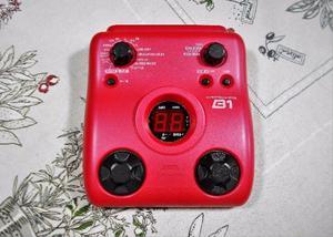 Pedaleira para baixo zoom b1 bass effects pedal usada com