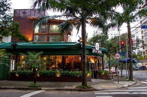 Moema aluga,esquina,160 m2,bar restaurante,r$ 12.000