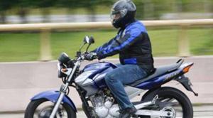 Motoqueiro (a) com moto e com experiência em vendas