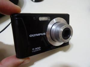 Câmera fotográfica olympus t 100 de 12 megapixel, muito
