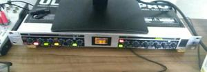 Pré amplificador valvulado behringer