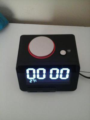 216730bc5da Relógio despertador com bluetooth e entrada pra cartão de