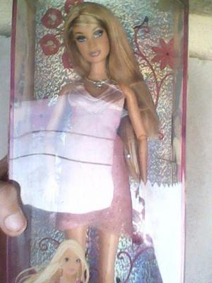 Boneca - barbie fashion fever