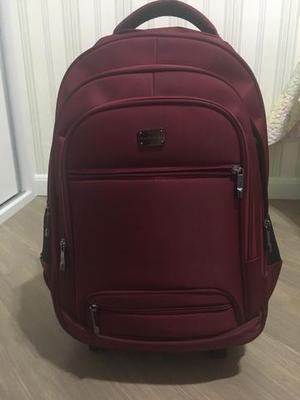 676da5092 Vendo mochila estilo executiva de rodinha com alças semi