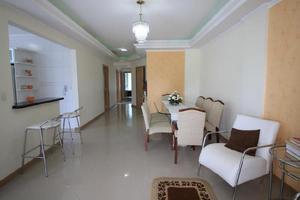 Amplo apartamento em meia praia 4 quartos, mobiliado.