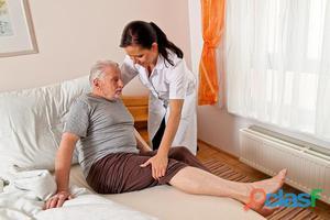 Cuidador de idosos profissional bilingue