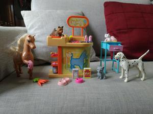 Barbie veterinaria e pet shop e