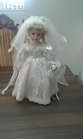 Boneca noiva de porcelana