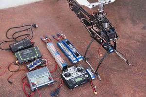 Trex 700 (upgrade 800) + naza + rádio + receptor + bateria