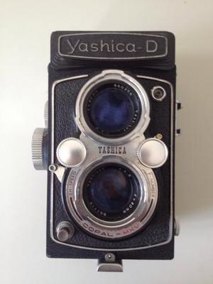Câmera fotográfica antiga yashica d