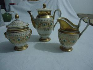Conjunto em porcelana do século 19
