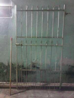 Portão/grade de ferro