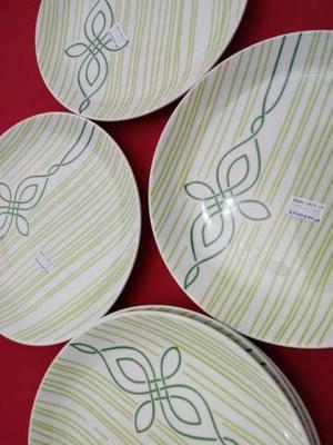 Pratos de sobremesa em porcelana decorada da germer/polovi -