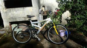 Bicicleta em ótimo estado aceito celular ou algo