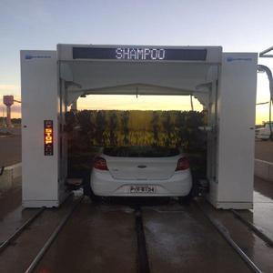 Lavadora de veículos automática.