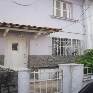 Casa de vila ao lado do ibirapuera - 2 vagas e quintal