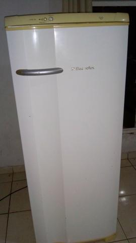 Geladeira electrolux degelo automático$399.00