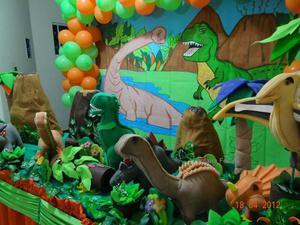 Locação decoração festa infantil dinossauro
